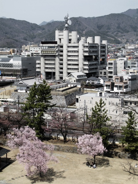http://carlofumarola.ch/files/gimgs/1_yamanashi-press--broadcasting-center---kenzo-tange_v2.jpg